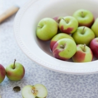 7 Awesome Reasons to Eat Apples Every Day ...