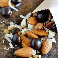 7 Ingredients for Making the Ultimate Trail Mix ...