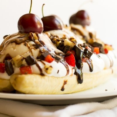 7 Mouthwatering Banana Split Toppings You Must Try ...