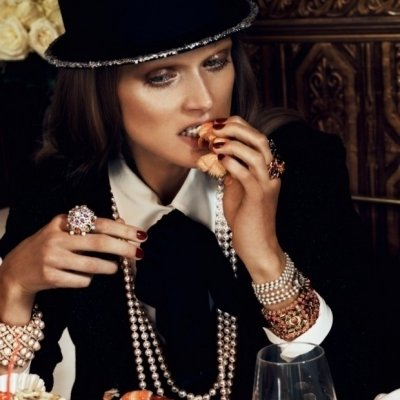 12 Foods Never to Eat on a Date ...