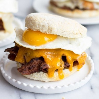 24 Tasty Breakfast Sandwiches to Make You Want to Get out of Bed ...