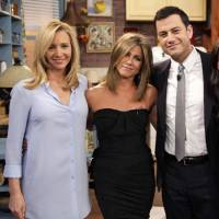 "Jennifer Aniston & Lisa Kudrow Battle It out on ""celebrity Curse off"" ..."