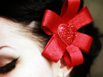 7 Tutorials on Making DIY Hair Accessories ...