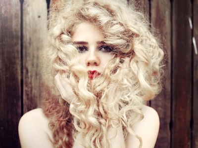 7 Different Ways to Create Curls Sans Heat ...