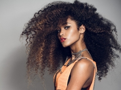 11 Easy Styles for Curly Hair That Are Great for Any Occasion ...
