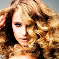 7 Tips for Maintaining a Curly Perm ...