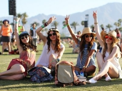 7 Adorable Hairstyles for Music Festivals That Anyone Can Rock ...