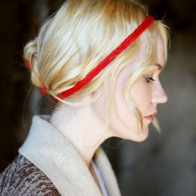 7 Beautiful Hairstyles with Ribbons ...