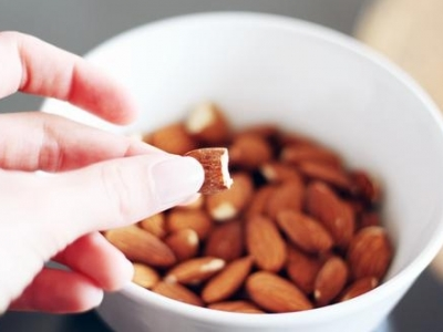 7 Surprising Health Benefits of Almonds ...