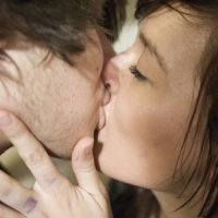 8 Reasons to Kiss More Often ...