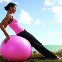 8 Interesting Ways You Can Use an Exercise Ball ...