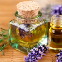 11 Amazing Uses for Essential Oils That Are Worth a Try ...