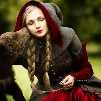 Fairytale Heroines Pose with Live Animals in a Hauntingly Beautiful Photo Series ...