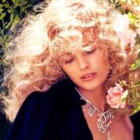 7 Ways to Give Jewelry Romantically ...