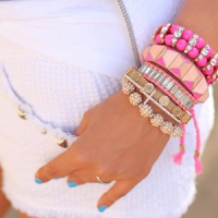8 Beautiful Neon Pink Bracelets ...