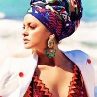 11 Best Statement Earrings ...