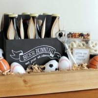 9 Awesome Gift Basket Ideas for Dad That He'll Swoon over ...