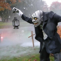 7 Awesome Ways to Make Your House Scary for Halloween ...