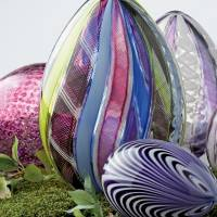 47 Photos That Make a Gallery of Gorgeous Glass Paperweights ...