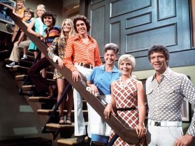 9 Memorable TV Theme Songs ...