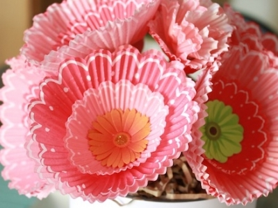 11 Cute Craft Projects Using Cupcake Liners ...