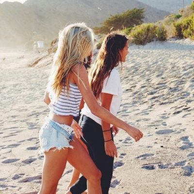 7 Ways That Being a Cancer Benefits Your Friendships ...