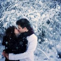 15 Adorably Romantic Winter Date Ideas ...