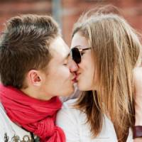 7 Factors That Contribute to the Perfect Kiss ...