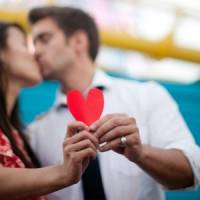 9 Fun and Romantic Ways to Propose to Him ...