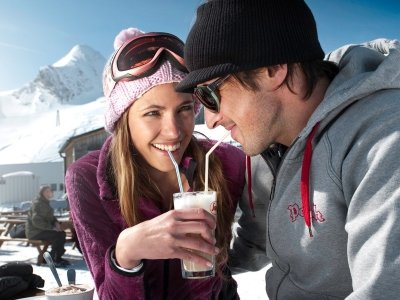 7 Cute Winter Date Ideas That Will Give You Goosebumps ...