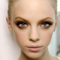 8 Splendid Makeup Tips to Enhance the Gold in Your Eyes ...