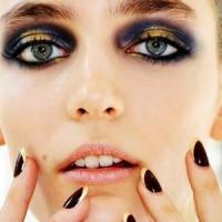 7 Helpful Tips on How to Wear Metallic Makeup ...