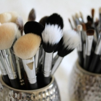 7 Tips for Cleaning Your Makeup Brushes ...