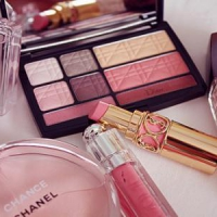 8 Amazing Color Palette Makeup Pieces for Spring ...