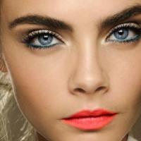 8 eye-liners fab pour yeux bleus...