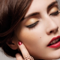 7 Gorgeous Makeup Shades for Fall That'll Look Good on Anyone That Wears Them ...
