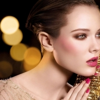 7 Tips for Glamorous Holiday Makeup That Are Perfect for Any Party ...