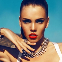 Clever Eye Makeup Tips to Go with Red Lipstick ...