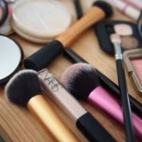 7 Tips for Choosing Make-up Brushes ...