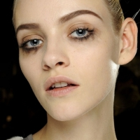 How to Fix a Mascara Smudge without Ruining All of Your Makeup ...