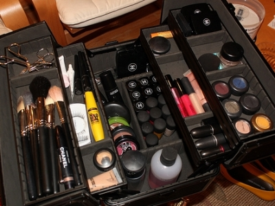 7 Tips for Streamlining Your Makeup Collection ...