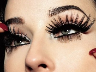 7 Tips for Wearing False Lashes ...