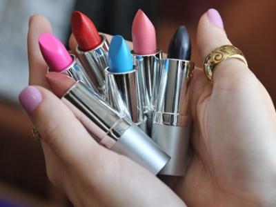 7 Easy-to-Make DIY Makeup Organizers ...