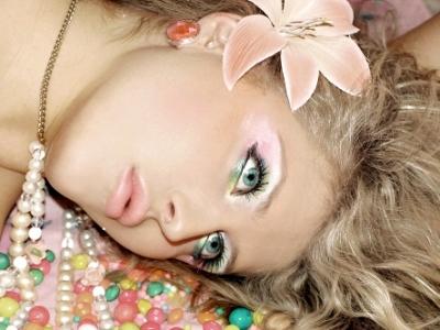 8 Gorgeous Ways to Wear Pastel Makeup ...