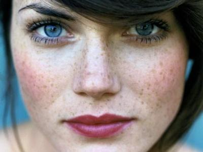 7 Foundation Tips to Cover Your Freckles ...