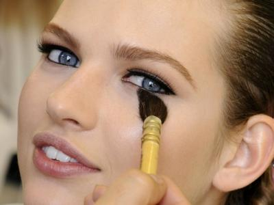 8 Clever Makeup Tips for College Girls ...