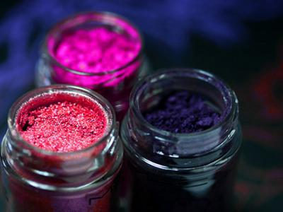 7 Fab Ways to Use Makeup Pigments ...
