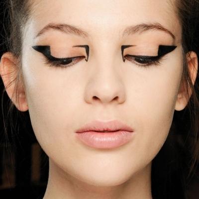 22 Eyeliner Shape Alternates to the Cat Eye ...