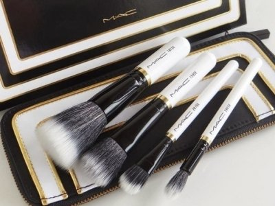 7 Excellent Brands of Makeup Brushes You'll Wonder How You Lived without ...