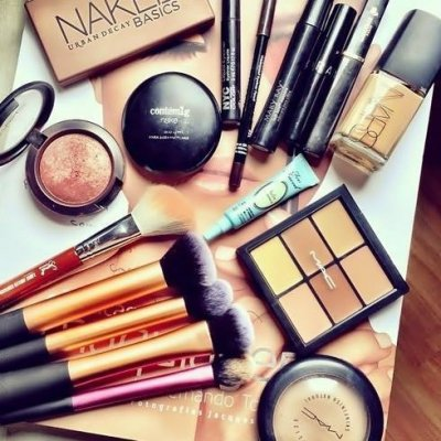 7 Gross Products in Your Make-up That You Never Knew about ...